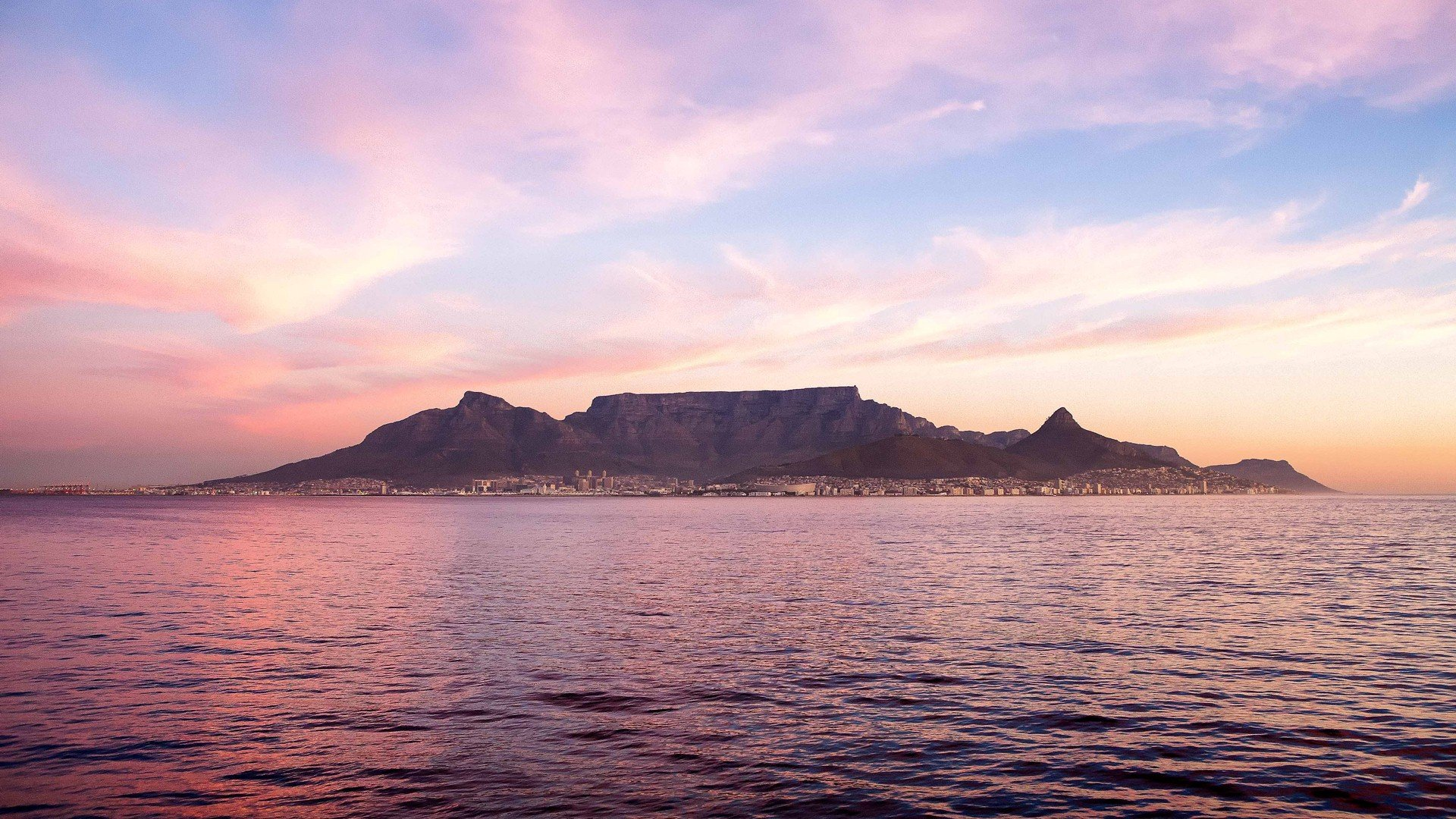 Beautiful-picture-of-Table-Mountain